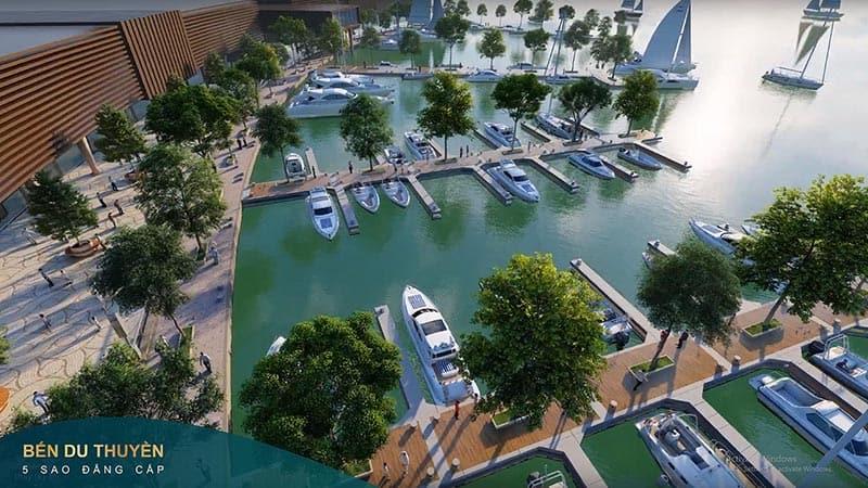 Bên du thuyền Aqua City